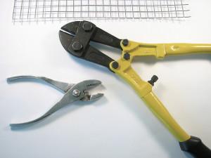 bolt cutter