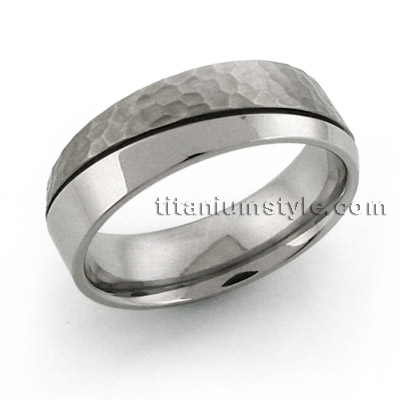 titanium ring Ti-662 hammered finish